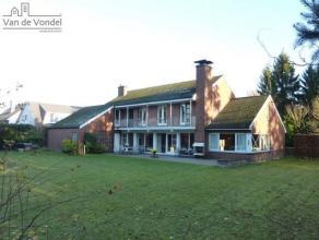 Residentiëel gelegen villa met een oppervlakte van 16a44ca te Aalst! Deze villa is rustig gelegen in een villawijk aan de stadsrand van Aalst, ge