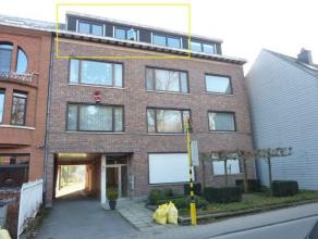 Zeer ruim en centraal gelegen 3 slaapkamer appartement met garage te huur te Aalst! In de directe nabijheid van het stadscentrum, de scholen, het open