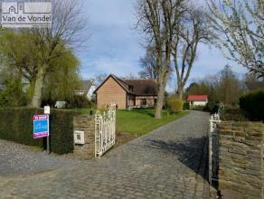 Prachtige villa (mogelijkheid tot kangoeroewoning) op 20a in natuurgebied te Lede/Aalst. Deze rustig gelegen woning ligt midden in het groen en bestaa
