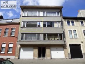 Centraal gelegen appartement met 2 slaapkamers te Aalst, op wandelafstand van de Grote Markt en het stadscentrum. Het appartement ligt nabij de winkel
