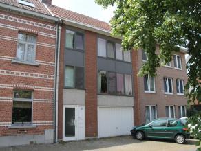 Centraal gelegen appartement met 1 slaapkamer, eventueel 2 slaapkamers, een zon-georiënteerd terras, een ruime privé tuin en een gemeensch