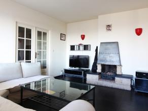Contactez David pour une visite: 0488 09 18 87. Ce qui frappe immédiatement en entrant dans cet appartement, c'est la magnifique vue qu'il offr