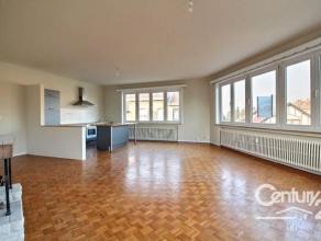COUP DE COEUR ! Dans le quartier De Wand, CENTURY 21 Iris vous propose un appartement rénové et lumineux. Il est composé d'un vas