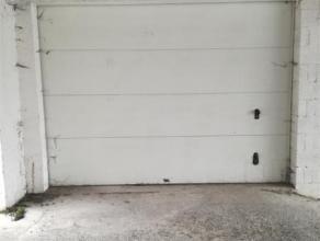 Box fermé à louer à partir du 31 mars 2017 dans le centre de Wavre à quelques mètres de la Place Bosch. <br /> Dans
