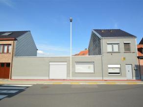 Instapklare HOB op een uitstekende locatie nabij het centrum Dit betreft een halfopen gezinswoning met stadstuintje/terras en garage in een residenti&