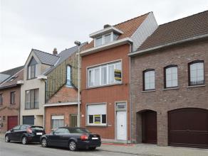 Dit betreft een gunstig gelegen woning aan de rand van het centrum van Beveren-Waas. De woning biedt tal van mogelijkheden naar verdere afwerking toe
