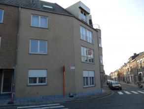 Recent appartement op de 1° verdieping met 1 slaapkamer in een gebouw met 18 appartementen. Oppervlakte appartement : 80 m². Terras. Volledig