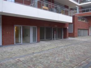 Ruime ondergrondse autostaanplaats onder residentie Waterside aan de Vaartkom in Leuven. De staanplaats bevindt zich op niveau -2, u kan met de wagen