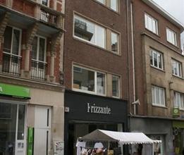 Ruim 2-slaapkamerappartement in het centrum van Leuven in een verkeersvrije verbindingsstraat tussen Bondgenotenlaan en Diestsestraat. Het appartement
