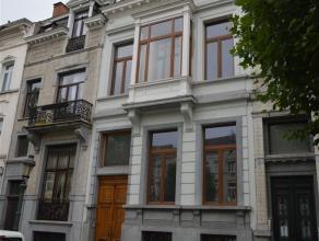 Léopold II, excellente situation et communications, très belle maison de maître, entièrement rénovée. Superfi