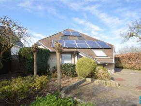 Degelijk onderhouden villa met een bewoonbare oppervlakte van 280m² te koop in de nabijheid van het centrum van Opwijk, gelegen op een terrein va