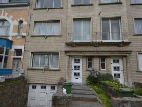 Gelijkvloers appartement met tuin TE HUUR in CENTRUM Aalst met een bewoonbare oppervlakte van +/- 60 m². Dit appartement gelegen op de Parklaan b