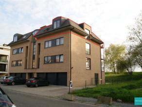 Appartement spacieux de 110m² avec deux chambres à coucher ( 16-12m²) à louer dans un quartier calme à proximité