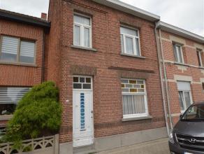 BAASRODE: te renoveren woning TE KOOP nabij het centrum van Dendermonde op een terrein van 4 are. Deze woning heeft een bewoonbare oppervlakte van +/-