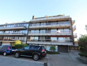 Cet appartement situé au deuxième étage dun petit immeuble résidentiel ÂAcropoleà Strombeek-Bever se
