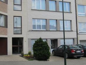 Agréable flat comprenant hall d'entrée, living, cuisine équipée, 1 chambre à coucher, salle de bains avec douche, l