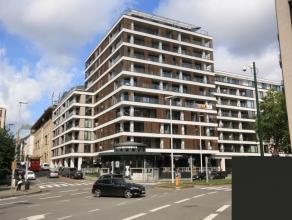 Appartement met 2 slaapkamers op wandelafstand van de metro (Kunst-wet, Maalbeek, Schuman).<br /> Bouwjaar 2015. Bewoonbare oppervlakte 96m², op
