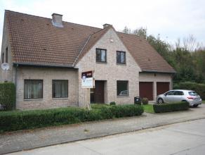 Villa spacieux dans quartier résidentiel. Près de l'école BSB à Tervuren (2,8km) et le centre de Tervuren (3,4km).<br /> H