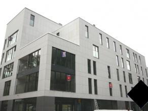 Recent luxe penthouse met 3 slaapkamers met prachtig terras.<br /> Vlakbij het centrum van Leuven, de toegangswegen en openbaar vervoer.<br /> Bouwjaa