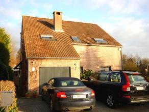 Villa sur 6are dans situation calme et résidentielle. A deux pas des magasins et du parc de Tervuren. Près de l'école BSB (1,2km)