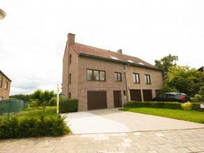 Maison bel-étage situé résidentiel avec 3 chambres à proximité du Bois de Soignes, les transports en commun et le B