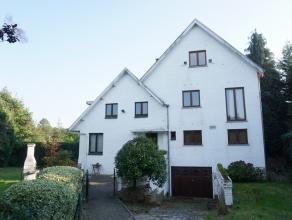 à 200m du parc de Tervuren et à 600m de l'école Britannique (BSB): Maison avec 225m² habitables sur un terrain de 5a85ca. Co