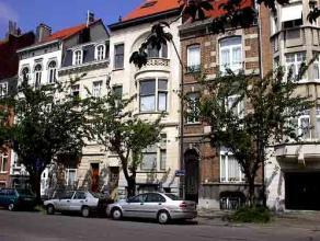 Appartement, Maison de Maître, construct 1880, parfaitm renovée, surf hab 64m², living, cuis équip, sdb, chambre, grande terr