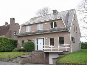Villa dans quartier, surf hab 280m², living, f o, bureau, 6 chambres, 2 sdb, cave, double garage, jardin<br /> Tervuren-Moorsel: spacieuse Villa