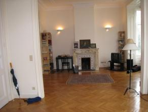 Appartement, 1e verd in een herenhuis van 1900, gevraagde buurt, kort bij EU, volledig gerenoveerd, woonopp 90m², living, 2 slpk, bureel, keuken,