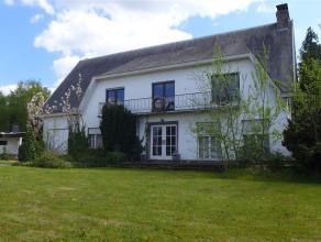 Riante villa met 4 slaapkamers en tuin te Putte Deze villa is gelegen op de verbindingsweg tussen Mechelen en Heist o/d Berg, op 2 km van het centrum