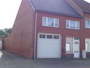 Volledig te renoveren woning met gunstige ligging te centrum Grasheide. De woning beschikt aan de voorzijde reeds over een nieuwe sectionale poort + d