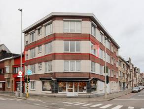 Instapklaar appartement met zeer veel lichtinval en mooi zicht gelegen in Deurne-Zuid tussen het Te Boelaerpark en Boekenbergpark. Er zijn oa 2 slaapk