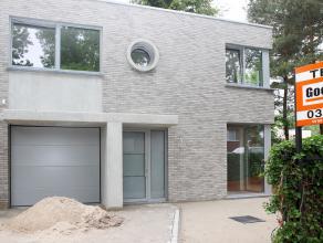 Moderne HOB- nieuwbouwwoning in een aangename woonomgeving. Traditionele woningbouw voorzien van nieuwe wetgeving wat isolatie betreft (e-peil 53), zo