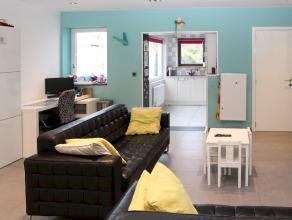 Gerenoveerde woning met zij-ingang op een perceel van 369 m² gelegen in het centrum van Hoevenen. Dit instapklaar eigendom beschikt oa over ruime