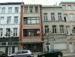 Gunstig gelegen appartement met 1 of 2 slaapkamers in centrum. Aangename ligging nabij Nationalestraat.