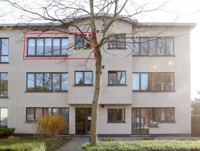 Verzorgd en instapklaar appartement met 2 slaapkamers in aangenaam en goed onderhouden 'klein' gebouw nabij centrum. Winkels en scholen in de directe