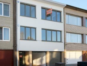 Volledig gerenoveerd appartement gelegen in een rustige woonwijk nabij centrum Ekeren en park De Bist. Dit ruime appartement is voorzien van 2 slaapka