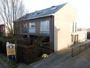 Gelijkvloers appartement (ca 100m²) te Kalmthout-Achterbroek. Dit appartement is ingericht met een gezellige leefruimte, een volledig ingerichte