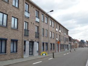 Gezellig instapklaar appartement (98m²) met terras op de 2de verdieping met 2 slaapkamers en garagebox op wandelafstand van centrum Kapellen met