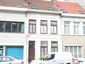 Zéér degelijk onderhouden woning met tuin en 3/4 slaapkamers, klein beschrijf mogelijk ov! - Raamwerk allen dubbel beglaasd - Gehele dak