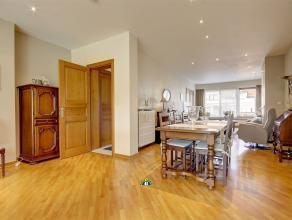 Rustig gelegen en zonnige gezinswoning met 4 slaapkamers, bureau, één badkamer, één douche kamer, volledige onderkeldering