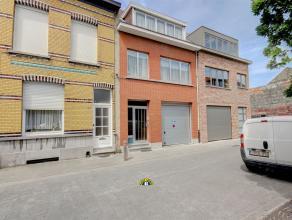 Op te frissen bél-etagewoning in een rustige éénrichtingsstraat met zeer ruime garage, tuin, 3 slaapkamers en kelder te Wilrijk V