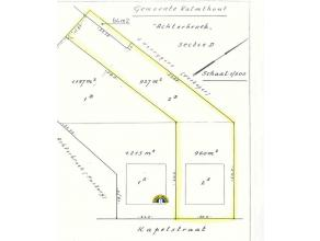 Bouwgrond voor een ruime open bebouwing op 1.951m² grondoppervlakte! Rustig maar eveneens centraal gelegen. Straatbreedte is 24 meter, wat vele a