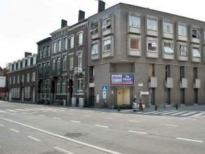 Kantoor op drukke invalsweg Handelgelijkvloers, 140 m², gelegen langs één van de invalswegen naar het centrum, 100m van het station