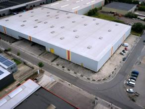 Het gebouw is gelegen op de Transportzone te Meer, aan de grensovergang met Nederland, langs de E19 Antwerpen-Breda Vanaf 10/04/17 - 1/2 magazijn tijd