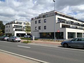 Nieuwbouw handelspand van 188m² langsheen de Hundelgemsesteenweg te Merelbeke. Casco oplevering.