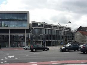 Uitstekend gelegen kantoren aan de rand van Brugge en op een steenworp van het station.