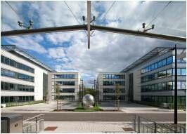 Moderne kantoren, gelegen te Waver