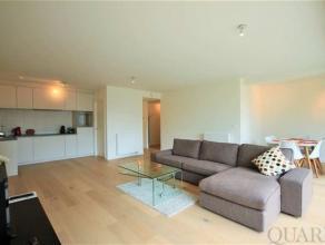 Nieuw en gemeubeld appartement gelegen in het gebouw Longitude III op Regatta (Linkeroever). De zeer aangename en lichte leefruimte biedt toegang tot