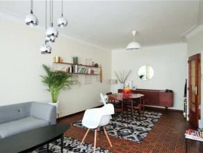 Ruim 2 slaapkamer appartement van 95 m² met balkon aan de Markgravelei. Het appartement is gelegen op de 2de verdieping en bereikbaar met de trap